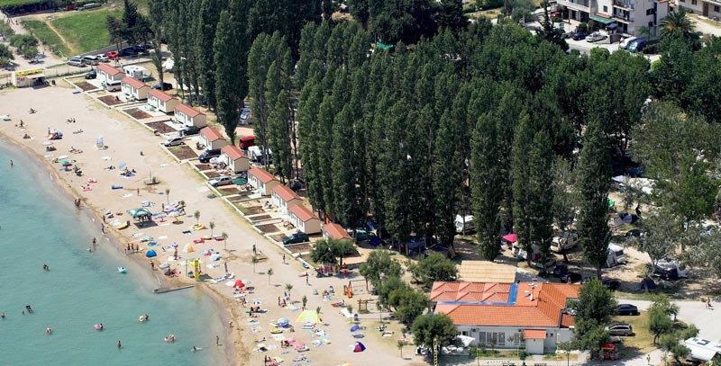 Three-star campsite Galeb is located in Omis at the mouth of the Cetina  river. Omiš is only 21 km away from Split, largest city in Dalmatia. 2f6bed9a0215